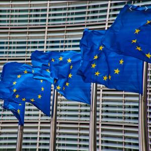 Blik op de Forex - Euro wacht op uitkomst debat Europese Commissie over hulpfonds