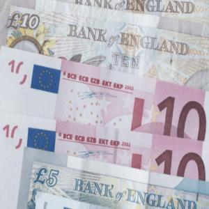 Blik op de Forex - Euro, Pond hoger door optimisme over economisch herstel - Bitcoin boven 10000