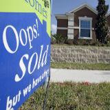 Forex - dollar blijft sterk na goede cijfers huizenmarkt, industrie