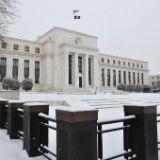 Forex - dollar begint week lager - Fed, BOJ in focus