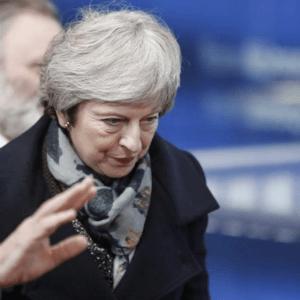 Forex - Pond daalt verder, May's positie aan zijden draadje