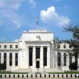 Dollar herstelt licht voor Fed notulen - Pond hoger