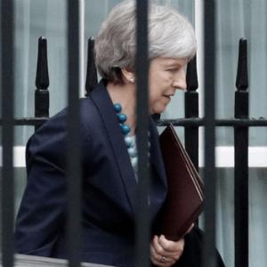 Pond laagst in 20 maanden na uitstel Brexit stemming - meer daling verwacht