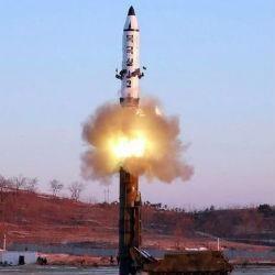 Yen hoger nadat Noord-Koreaanse raket over Japan vliegt