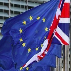 Pond hoger na gerucht over deal Brexit rekening - dollar in de lift