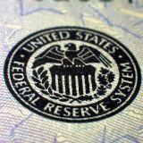 Euro onder druk door lage inflatie, zwakke economische cijfers