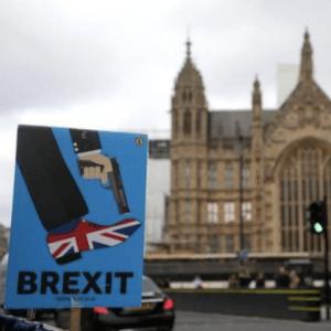 Pond Wacht Af Na Machtsovername Britse Parlement Brexit Proces