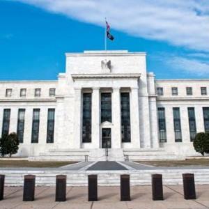 Forex - euro, yen openen lager aan begin van Fed week