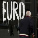 EUR USD koers van 1,18 lonkt - economie eurozone verder verslechterd